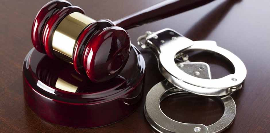 gavel_and_handcuffs