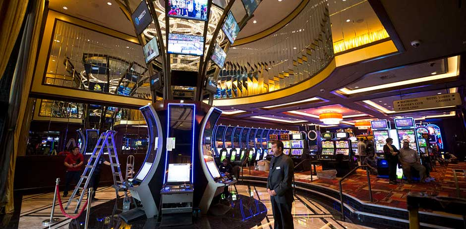 Las Vegas 111 Year Old Golden Gate Reopens After Expansion